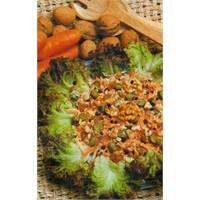 Cevizli Üzümlü Havuç Salatası