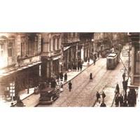 Eski İstiklal İstanbul'un Mecburiyetiydi.