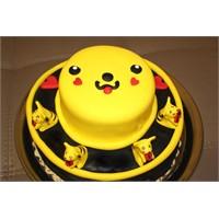 Pikachu Süslemeli Pasta