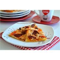 Mayasız Pratik Pizza Tarifi