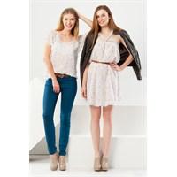 Gap Mağazasının Görkemli Elbiseleri