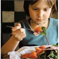 Yiyecek Seçmeyi Çocuklara Bırakmayın