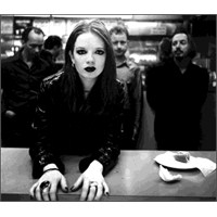 "Yeni Video: Garbage ""Big Bright World"""