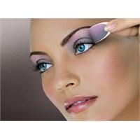 Çarpıcı Gözler İçin Makyaj İncelikleri