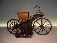 Dünyanın İlk Motorsikleti