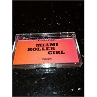 Essence Miami Roller Girl Allık