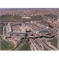 Yeni Bir Terminal Bir Sürü Metrobüs Lazım!