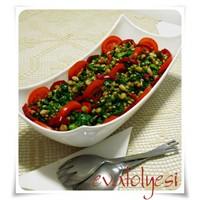 Bakliyatlı Kış Salatası