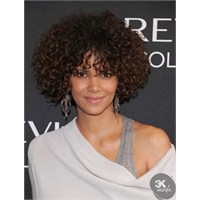 En Trend Kıvırcık Saç Modelleri