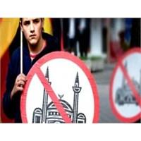 Fransa'da Cami'ye Saldırı