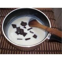 Çikolatalı Krema Tarifi Buyrun
