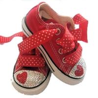 Kiz Bebeklerine Converseler :)