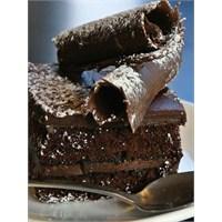 Mutbak: Çikolatalı Pasta