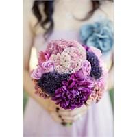 Mor Renkli Düğün Konseptleri