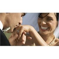 Evlilik Kararından Önce Gerçekçi Olun