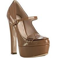 Platform Ayakkabıları Nasıl Giymeli?
