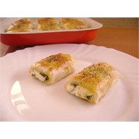 Baklava Yufkası İle Peynirli Börek