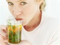 Yeşil Çay Göğüsleri Sıkılaştırıyor Kızlar