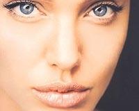 Angelina Jolienin Dudaklarının Sırrı....