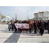 Yalova'da Dans Eden Kadınlar