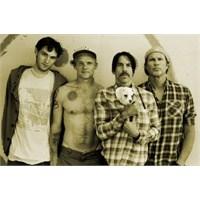Red Hot Chili Peppers'dan 18 Yeni Şarkı Yolda