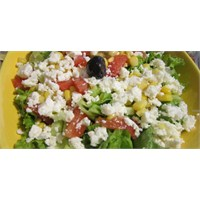 Fazlıkızında Pratik Sağlıklı Salata