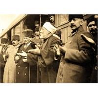 Atatürk, Müslümanların Geri Kalışını Açıklıyor