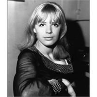 Kaderin Şarkıcısı; Marianne Faithfull