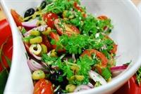 Zeyitnli Domates Salatası
