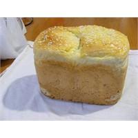 Ekmek Yapma Makinasında Ekmek Yapımı