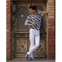 Siyah & Beyaz Sokak Stili