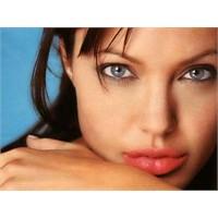 Angelina Jolie Nerelerde?
