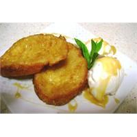 Karamel Soslu Bayat Ekmek Tatlısı