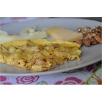 Patatesli Omlet... Haftasonu Kahvaltılarınız İçin