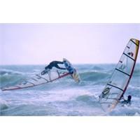 Rüzgâr Sörfü Nedir? Nasıl Yapılır?