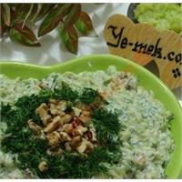 Cevizli Kabak Salatası (Resimli)