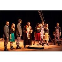 Brecht'ten Bir Başyapıt: Kafkas Tebeşir Dairesi
