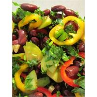Yeşil Erikli Meksika Fasulyesi Salatası