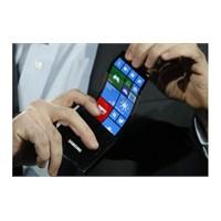 Esnek Samsung Telefonlar Başka Bahara Kaldı!