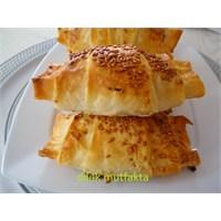Pirasalı Kruvasan Börek