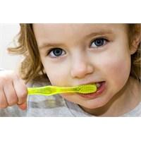 Süt Dişleri İhmal Etmeyin!