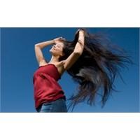 Saçların Elektriklenmesini Nasıl Önleriz?