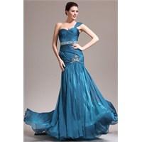 Mavi Renkli Abiye Elbise Büyüsü
