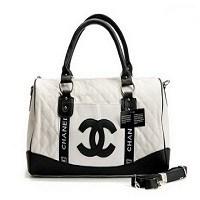 Yeni Trend Siyah & Beyaz Çantalar