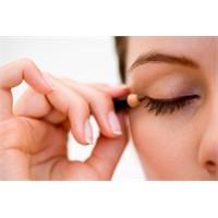 Göz Makyajında Doğru Göz Kalemi Kullanımı