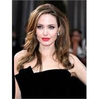 Angelina Jolie'yi Sıfır Beden Yapan Karışım