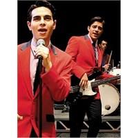 Jersey Boys Müzikali Zorlu Center'da Sergileniyor