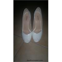 Divarese Ayakkabılarım