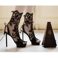 2011'de Ayakkabılarda Dantel Modası