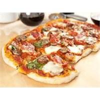 Ekmek Hamurlu Pizza